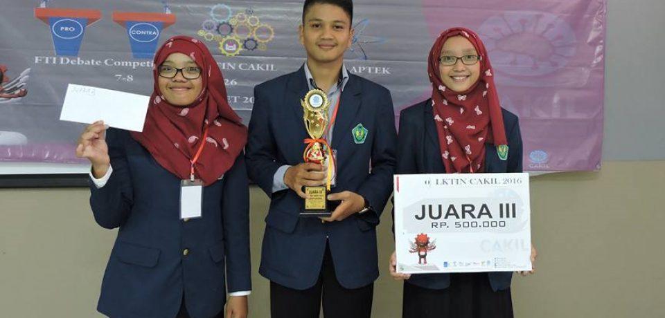 Mahasiswa Universitas Bung Hatta Juara III LKTI Nasional
