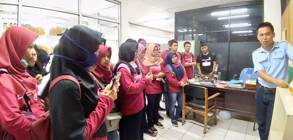 Mahasiswa Tekinik Kimia Universitas Bung Hatta Belajar ke Pabrik Minyak Goreng
