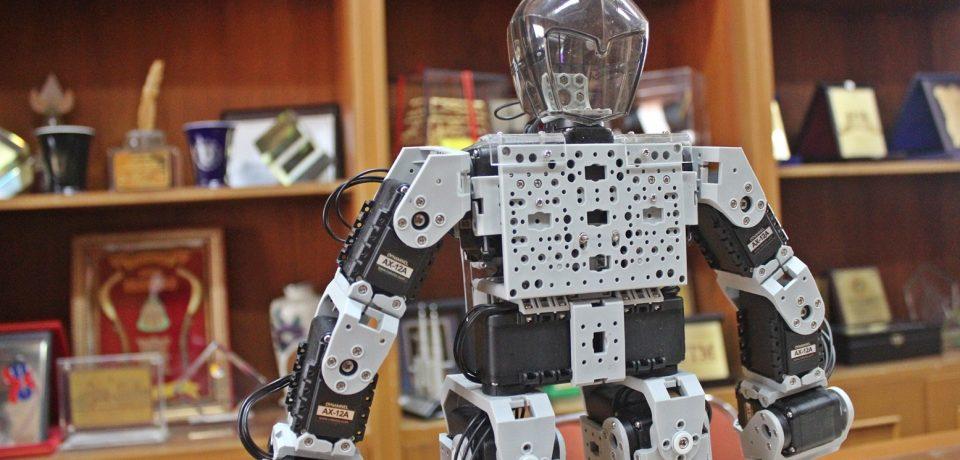 Tim Robotik Universitas Bung Hatta Lolos Tahap 1 KRI Regional