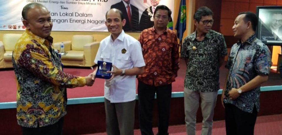 BEMM FTI Sukses Hadirkan Wamen ESDM ke Universitas Bung Hatta