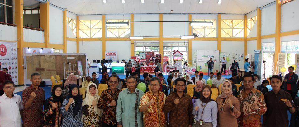 Fakultas Teknologi Industri (FTI) Universitas Bung Hatta (UBH) Menggelar FTI Technoprenuer Software Engineering Exhibition