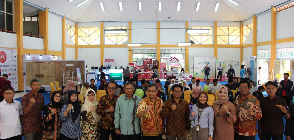 Fakultas Teknologi Industri (FTI) Universitas Bung Hatta (UBH) Menggelar FTI Technoprenuer Software Engineering Exhibition