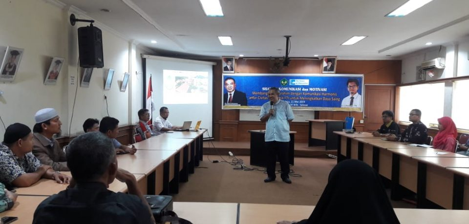 FTI Univ. Bung Hatta Hadirkan Dr. Aqua Dwipayana Beri Motivasi bagi Dosen dan Tendik