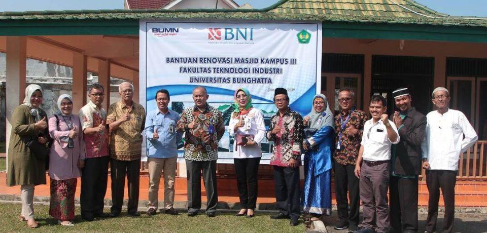 BNI Beri Bantuan Renovasi untuk Infrastruktur Masjid Kampus III FTI UBH