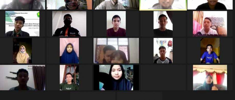 Dosen dan Tim Robot FTI Berbagi Ilmu Dengan Siswa SMAN 1 Batusangkar